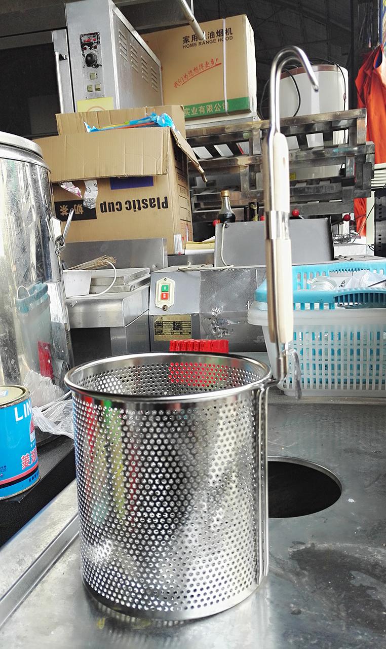 合肥周谷堆旧货市场--利群新旧市场--方桶漏勺